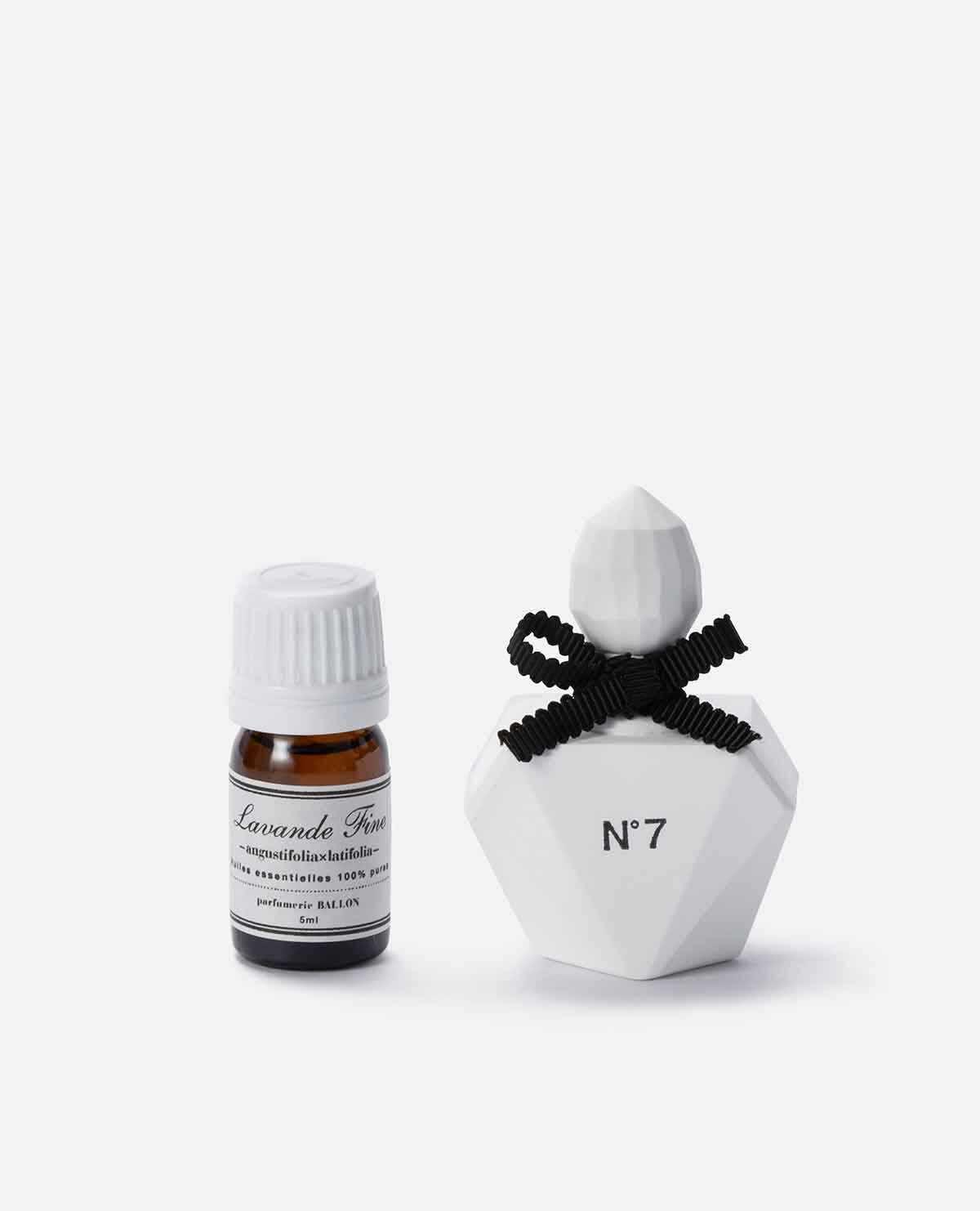 AROMA ORNAMENT Perfume Bottle Square