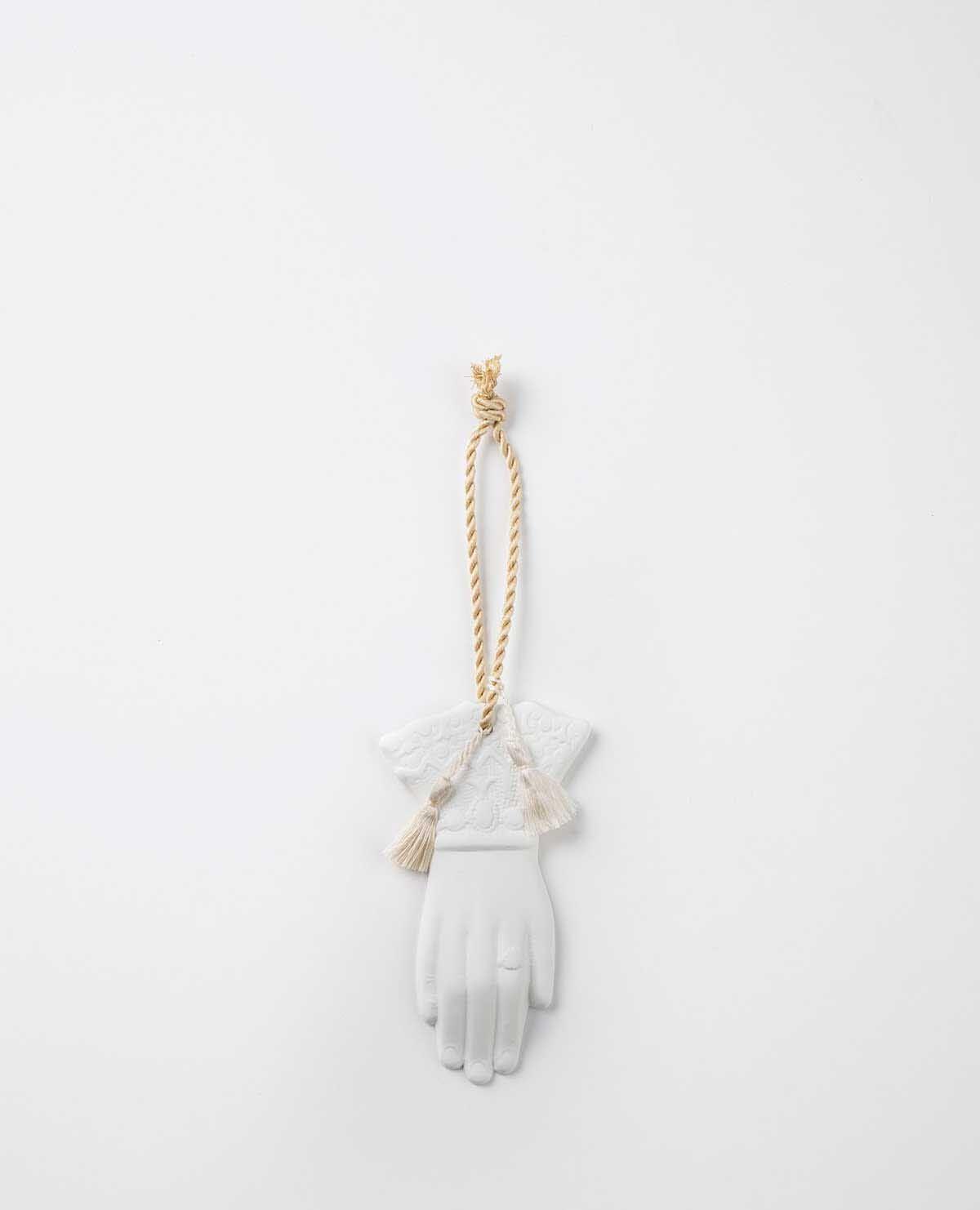 AROMA ORNAMENT HAND